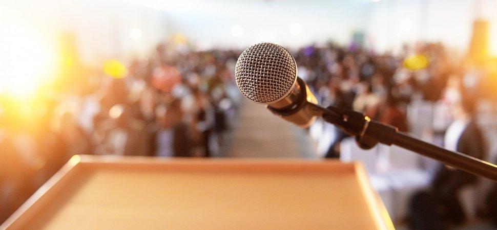 kursus public speaking surabaya, pelatihan public speaking surabaya, jadwal training public speaking surabaya, lembaga pelatihan public speaking surabaya