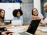 cara komunikasi ditempat kerja, motivator indonesia, motivator perusahaan, motivator karyawan, pembicara motivasi, pembicara motivator indonesia,
